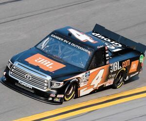 Le jeune Raphaël Lessard disputera vendredi soir à sa première course à Daytona dans la série des camionnettes NASCAR Gander Outdoors.