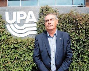 Marcel Groleau, devant le siège social de l'UPA.