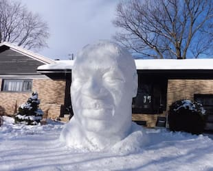 Image principale de l'article Une sculpture de neige en hommage à George Floyd