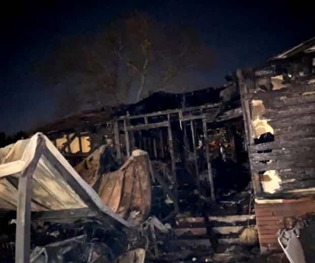 Image principale de l'article Une ado sauve sa famille des flammes