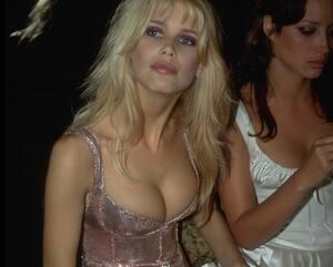 Image principale de l'article Les seins : une partie du corps qui suscite l'émoi