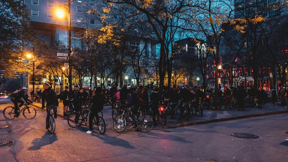 Plus de 125 cyclistes ont pris le départ de la Course des Morts cette année, à Montréal.