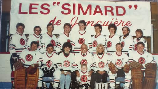 L'histoire méconnue des 13 frères dans la même équipe de hockey!