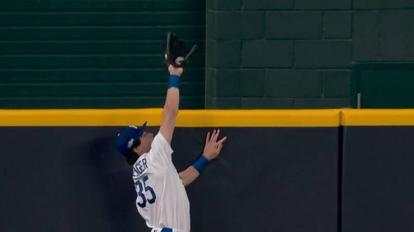 À VOIR: Bellinger vole au secours des Dodgers!