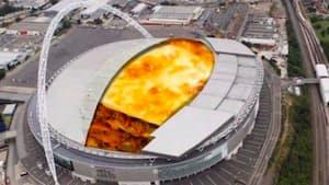 Image principale de l'article Non, il n'y a pas de lasagne géante dans un stade
