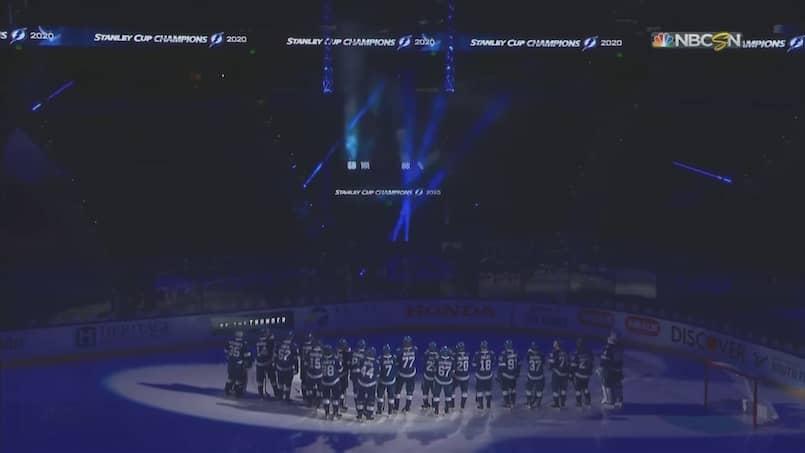 Le Lightning dévoile sa bannière de champion