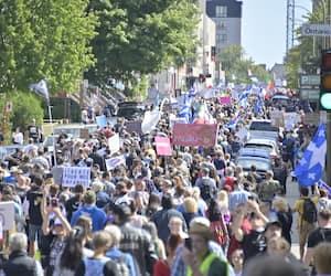 Manifestation des anti-masques Montréal, Québec, Canada. Le samedi 12 septembre 2020 PHOTO: MARTIN ALARIE / JOURNAL DE MONTREAL