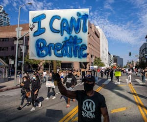 US-PROTESTORS-GATHER-AT-L.A.-CITY-HALL-IN-AFTERMATH-OF-DEATH-OF-