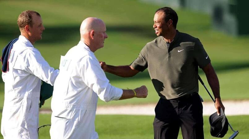 À VOIR: Tiger Woods passe si près d'un trou d'un coup