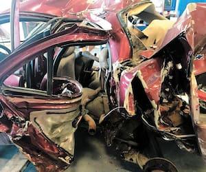 Le procès du camionneur Harmandeep Singh s'est ouvert hier au palais de justice de Longueuil. Il aurait pris la fuite après avoir embouti l'arrière d'une Chevrolet Cavalier rouge, tuant un jeune de 21 ans et blessant trois autres personnes. Le semi-remorque a été retrouvé le lendemain dans un stationnement de Montréal.