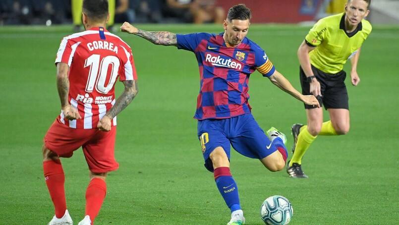 Lionel Messi marque un 700e but!