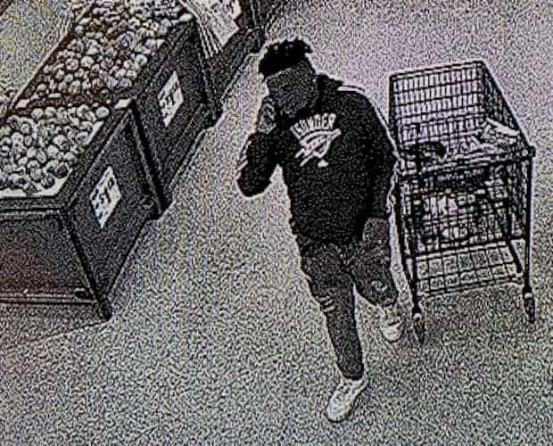 Image principale de l'article Un homme a déféqué dans un congélateur d'épicerie