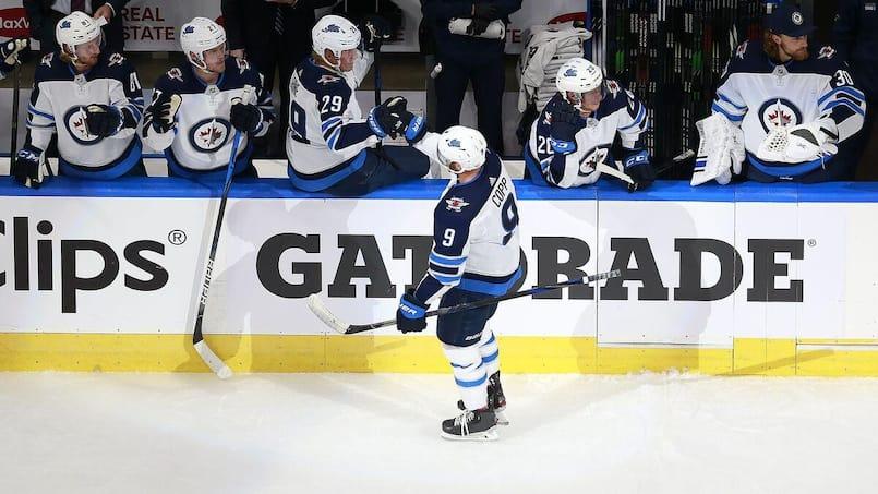 Andrew Copp pulvérise les Canucks à lui seul