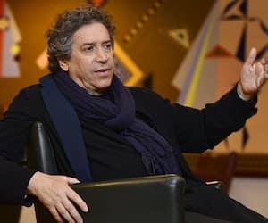 Franco Dragone est un metteur en scène renommé qui a participé à la création de bon nombre de spectacles du Cirque du Soleil.