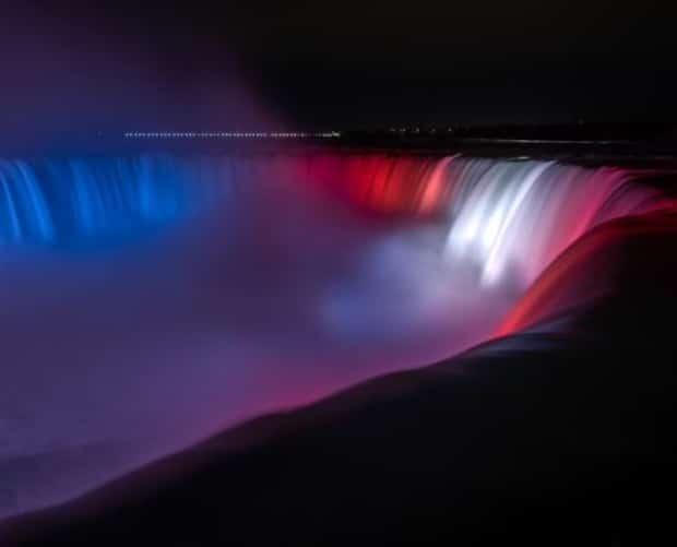 Image principale de l'article Les chutes du Niagara aux couleurs du CH