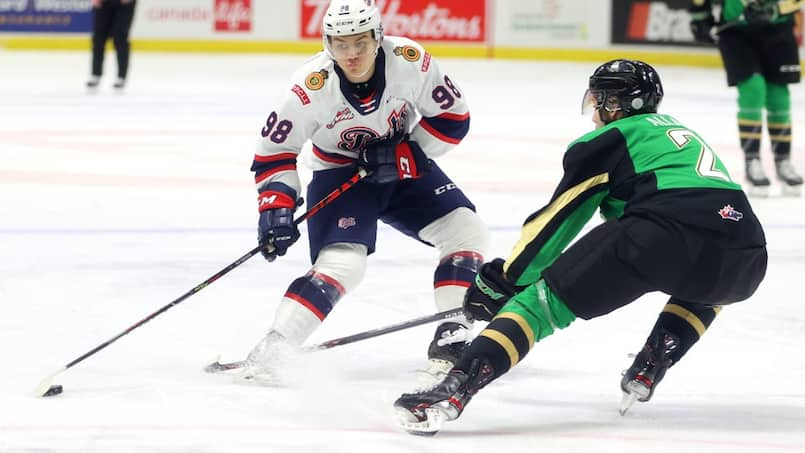 Le prodige de 15 ans qui fascine la planète hockey