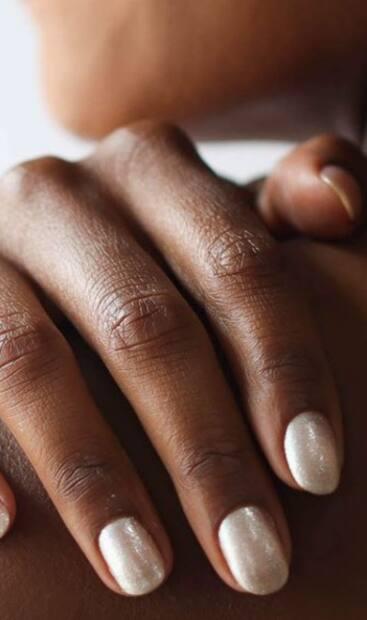Image principale de l'article Ces couleurs seront sur tous les ongles cet hiver!