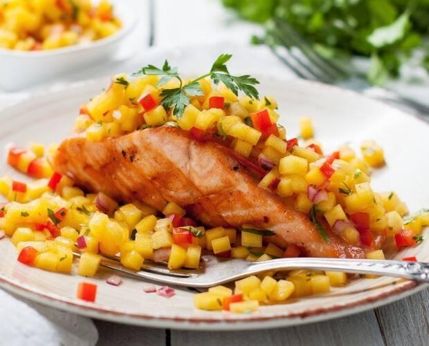 Image principale de l'article RECETTE: Saumon cajun, salsa mangue et fraises