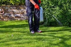 Diminuer l'usage des pesticides à Laval est bien accueilli