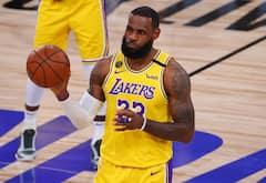 Les Lakers dominent le premier match de la finale