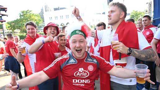 FBL-EURO-2020-2021-CZE-DEN-FANS