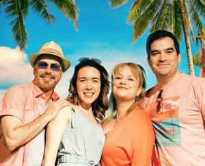 Les acteurs Réjean Vallée, Sarah Villeneuve-Desjardins, Nancy Bernier et Nicolas Drolet de la comédie estivale «Cayo Cocktail».