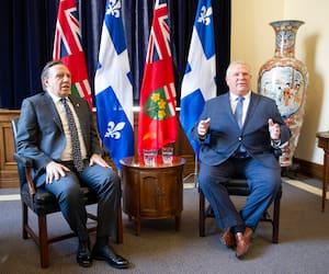 Les premiers ministres François Legault et Doug Ford lors d'une rencontre à Toronto en novembre 2018.