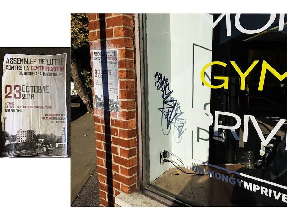 Vandalisme du 7 octobre 2016 : graffiti dans la vitre avec un poster de «Assemblée de lutte contre la gentrification d'Hochelaga-Maisonneuve» collé sur le mur de brique à côté.