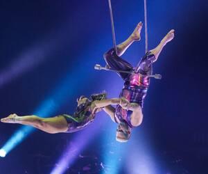 """ENT-Tapis rouge et première de """"Axel"""" nouveau spectacle sur glace du Cirque du Soleil"""
