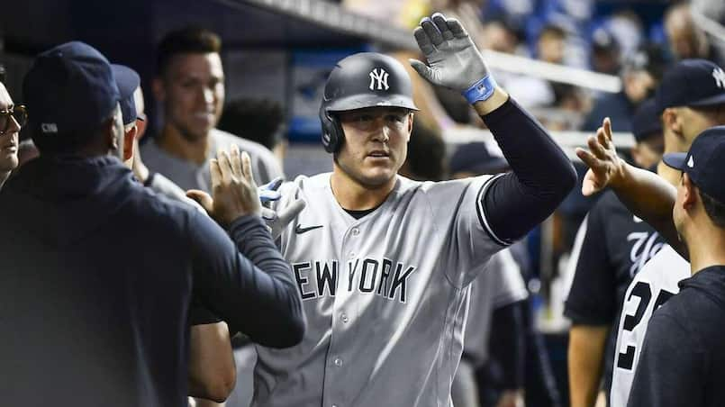 Les Yankees restent devant les Jays
