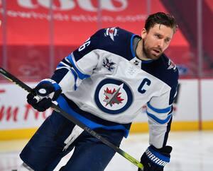 Le capitaine des Jets de Winnipeg Blake Wheeler