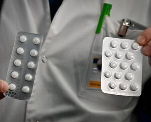 FILES-FRANCE-HEALTH-VIRUS-RESEARCH-DRUG