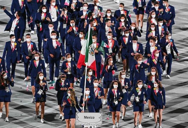 La délégation mexicaine lors de son introduction à la cérémonie d'ouverture.