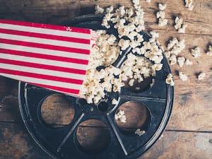 Bloc cinéma Film reel and popcorn