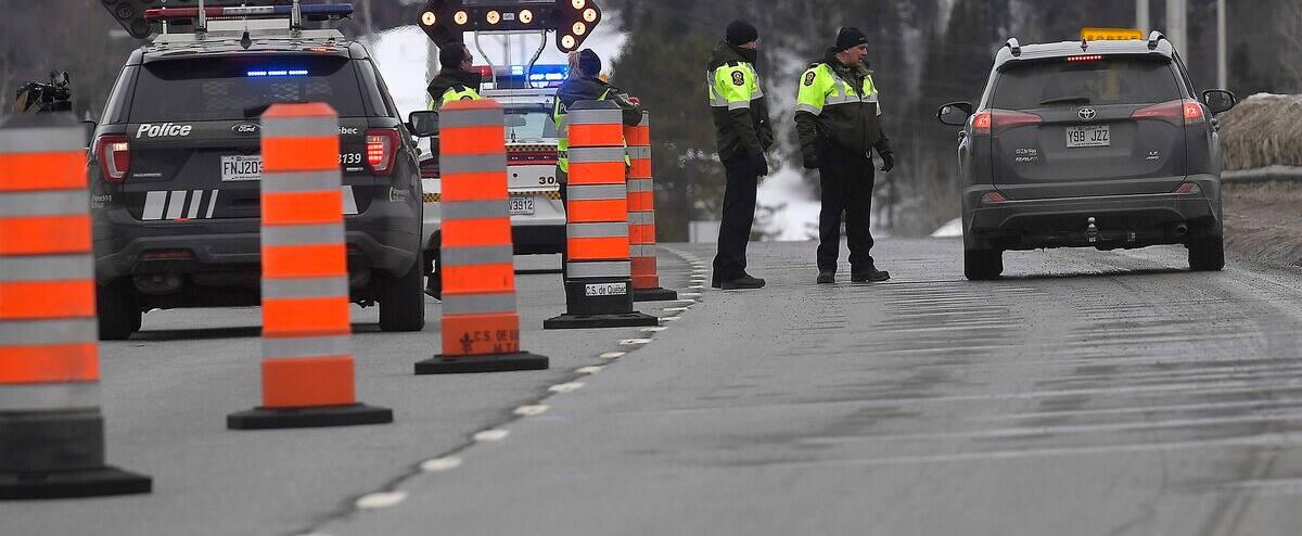 Fermeture de la frontière: la police et Québec clarifient les règles