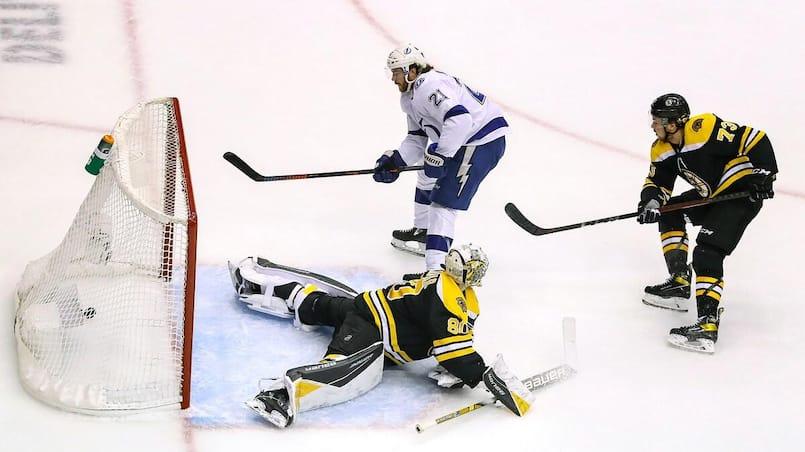 Les Bruins se font démolir