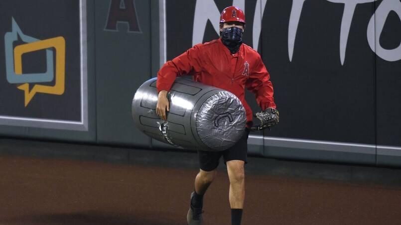 Les partisans lancent des poubelles aux Astros