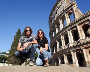 Originaire du Québec, Étienne Paré-Cliche et Emma Doiron sont coincés à Rome, en Italie.
