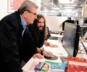 Régis Labeaume a visité l'École 42 à Paris, qui forme les talents du numérique de demain avec une philosophie différente du modèle d'enseignement traditionnel.