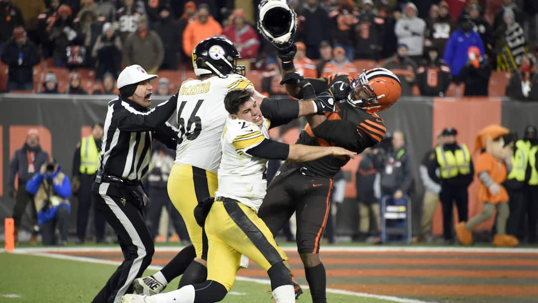 FBN-SPO-***-BESTPIX-***-PITTSBURGH-STEELERS-V�CLEVELAND-BROWNS