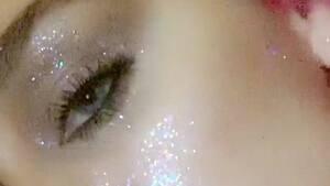 Image principale de l'article 15 vidéos de maquillage satisfaisantes à regarder