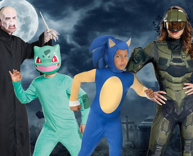 Image principale de l'article 35 costumes geek douteux