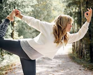 Ima, chanteuse et professeure de yoga