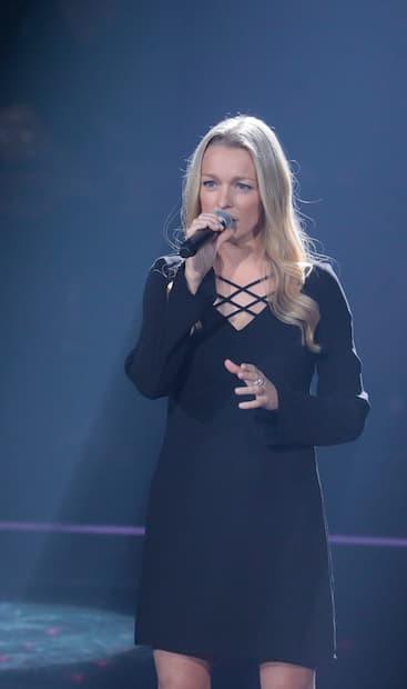 Image principale de l'article Suzie Villeneuve remonte sur scène à La Voix