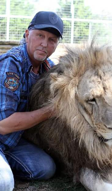 Image principale de l'article Des corps enterrés dans le zoo de Joe Exotic?