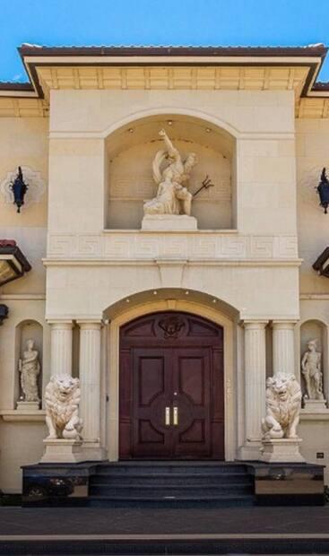 Image principale de l'article Un spectaculaire manoir en vente pour 7 777 777 $