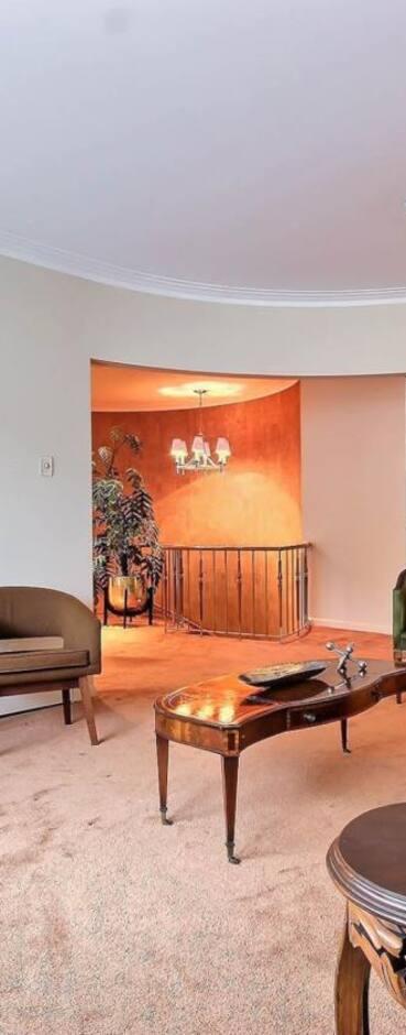 Image principale de l'article  Une maison aux mille tapisseries pour 799 000$