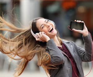 Image principale de l'article 20 chansons pimpantes qui mettent de bonne humeur