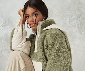 Image principale de l'article 15 manteaux d'automne en soldes à moins de 100$