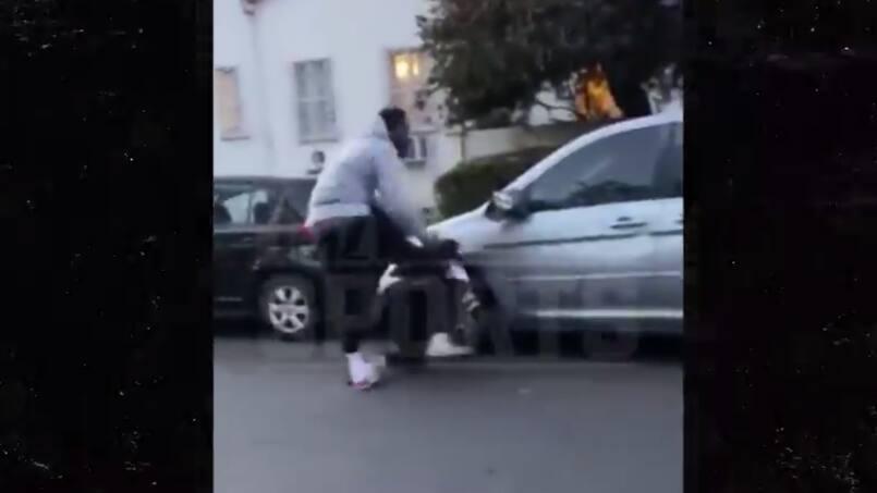 J.R. Smith brutalise un manifestant